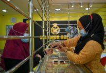 malaysian-goldsmiths-mould-a-profit-out-of-pandemic