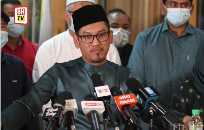 dap-rep-warns-pakatan-against-embracing-umno-to-form-new-perak-government
