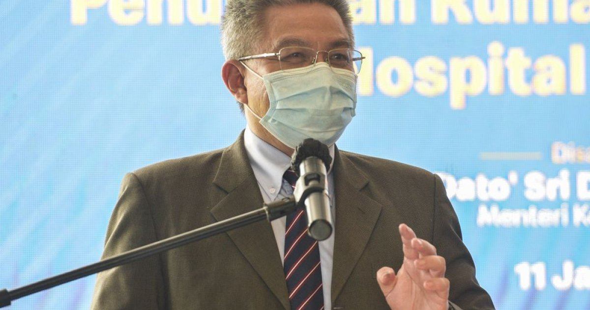 report:-three-day-quarantine-for-economy's-sake,-with-businessmen,-the-public-likely-next,-says-health-minister