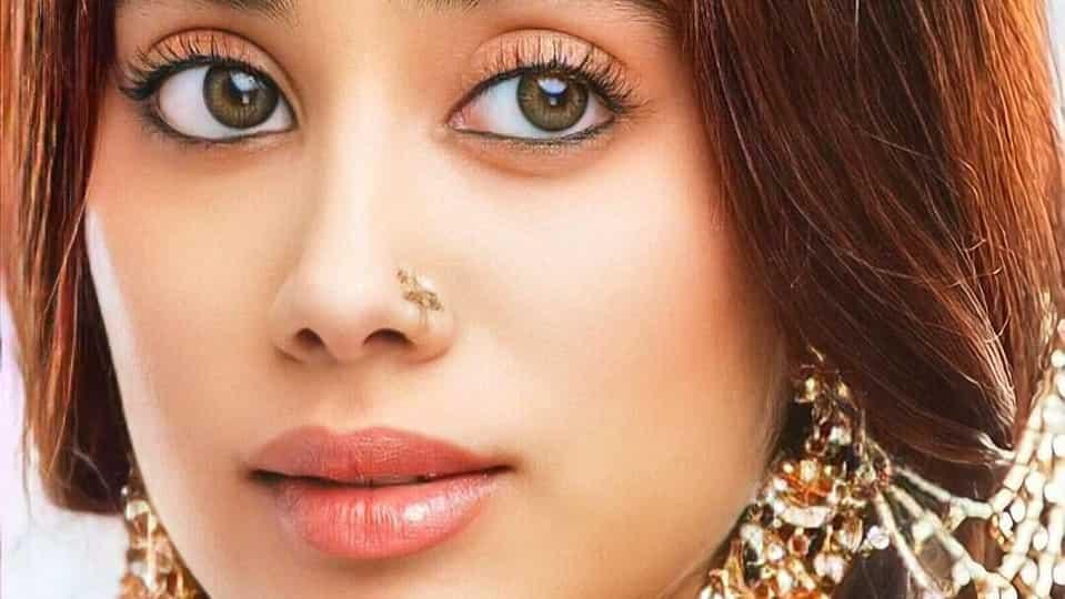 janhvi-kapoor-misses-her-light-brown-hair,-asks-fans-if-its-'time-to-go-back'