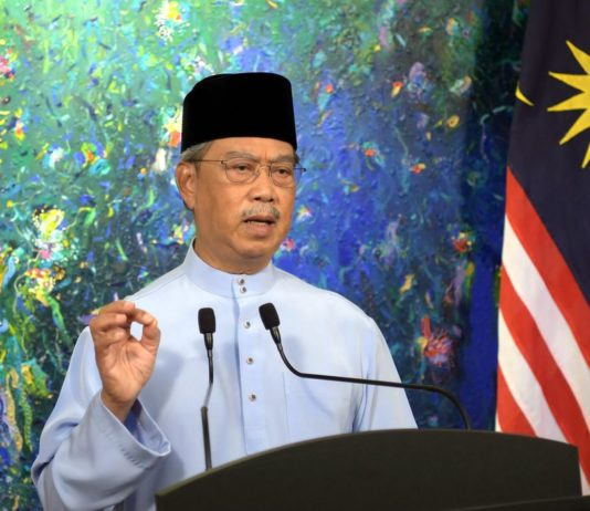muhyiddin-says-'not-tyrant',-unpopular-raya-restrictions-needed-to-save-lives-from-covid-19